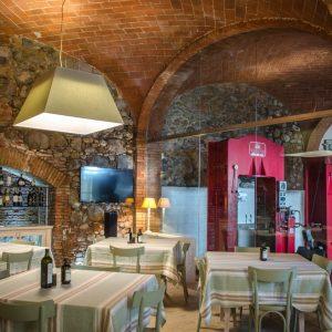 Frantoio Cecci - antico frantoio dove si fanno degustazioni e attivita di oleoturismo